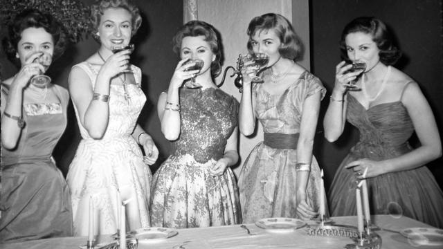 Settanta 70 1954 - Prima trasmissione televisiva da Torino signorine buonasera della Rai