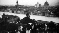 Settanta 70 1966 L'Arno allaga il centro di Firenze alluvione firenze