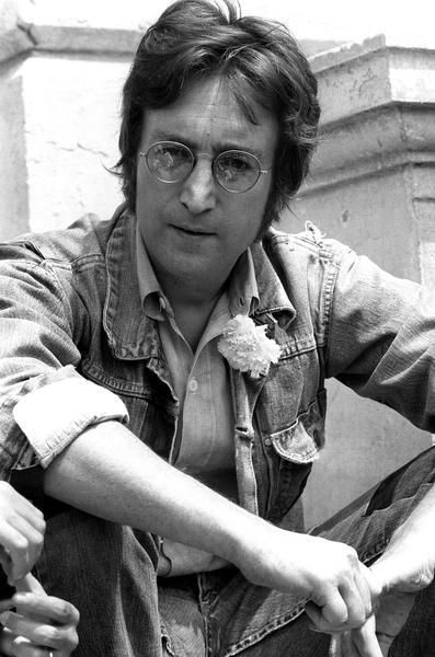 Settanta 70 1971 Lennon incide Immage