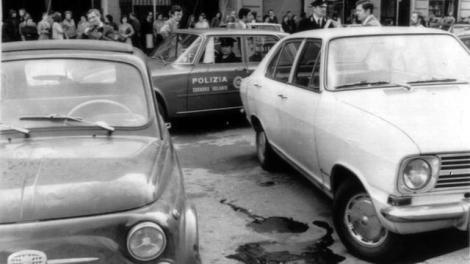 Settanta 70 1972 luogo omicidio commissario Luigi Calabresi Milano