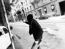 Settanta 70 1977 Scontri Milano manifestazione estremisti sinistra ucciso agente Antonino Custra'