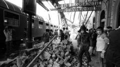 Settanta 70 1980 La stazione di Bologna devastata dallo scoppio di una bomba