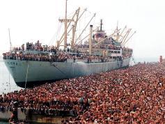 Settanta 70 1991 Migliaia di albanesi sbarcano a Bari KOSOVO: PREMIO A FOTOGRAFO TURI